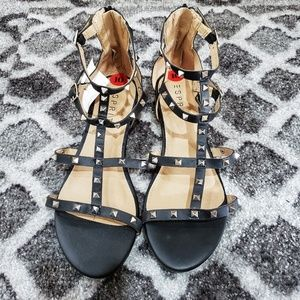 Trendy Rock Stud Black Sandals